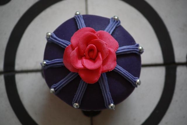Cupcake_a_boven_roos_medium.jpg