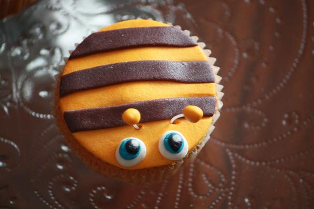 Cupcake_b_dieren_bezige_bij.jpg