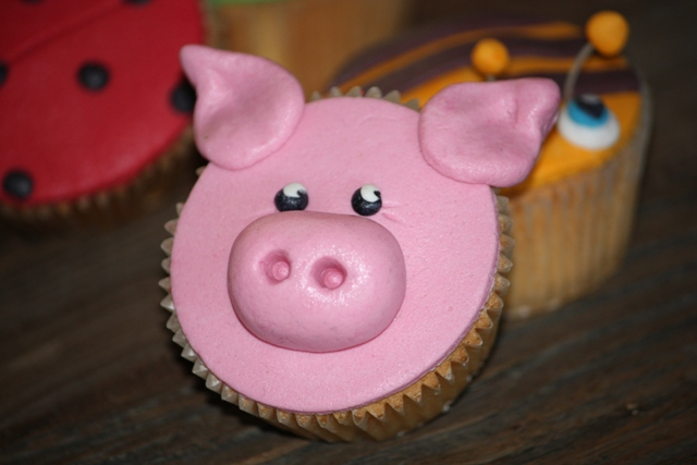 Cupcake_b_dieren_varken_roze.jpg