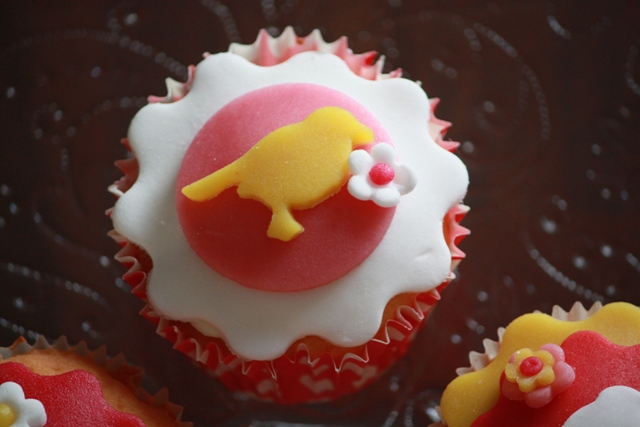Cupcakes_f_pip_roodborstje_groot.jpg