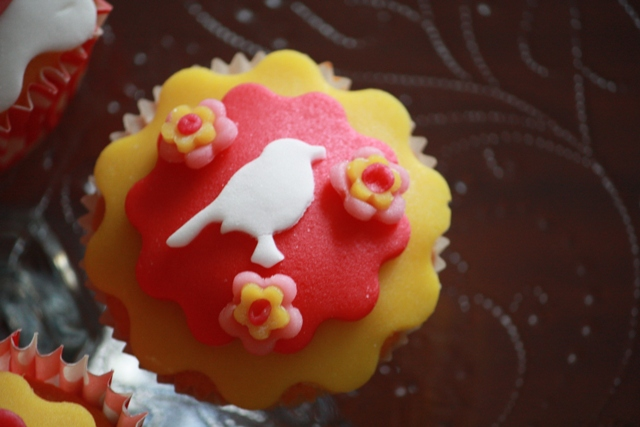 Cupcakes_f_pip_roodborstje_klein.jpg