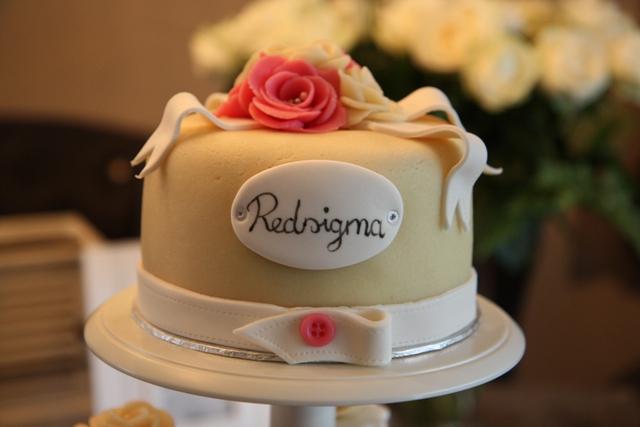 Cupcakes_opening_Redsigma_1.jpg