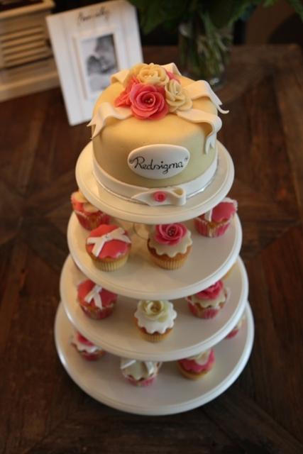 Cupcakes_opening_Redsigma_4.jpg