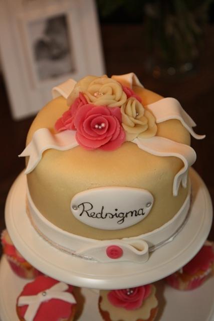 Cupcakes_opening_Redsigma_6.jpg